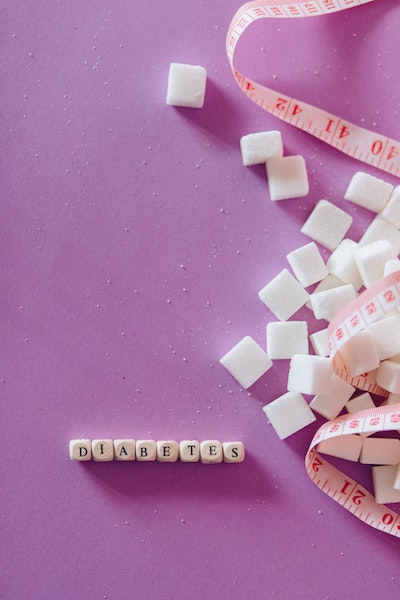 diabetes-spelled-out-surrounded-by-sugar